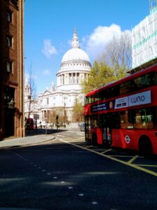Cycling around London to see St Paul's Cathedral